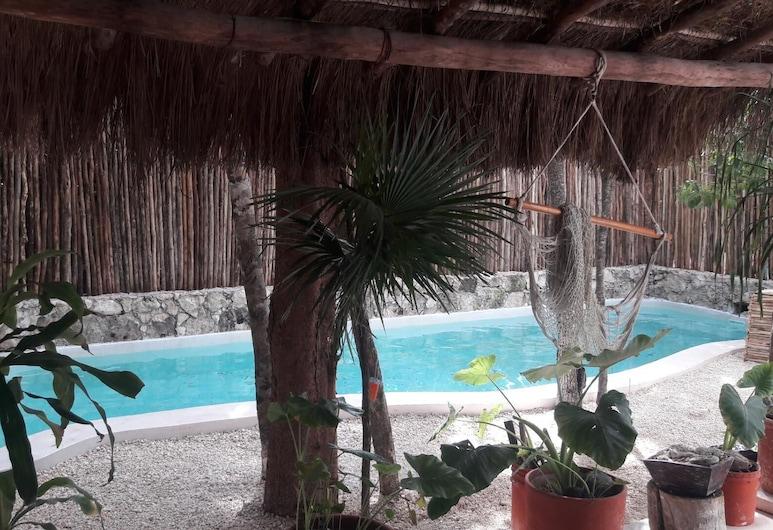 Ático en la jungla a 2 km de la playa., Chemuyil, Piscina