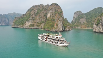 Picture of Halong Serenity Cruise in Halong