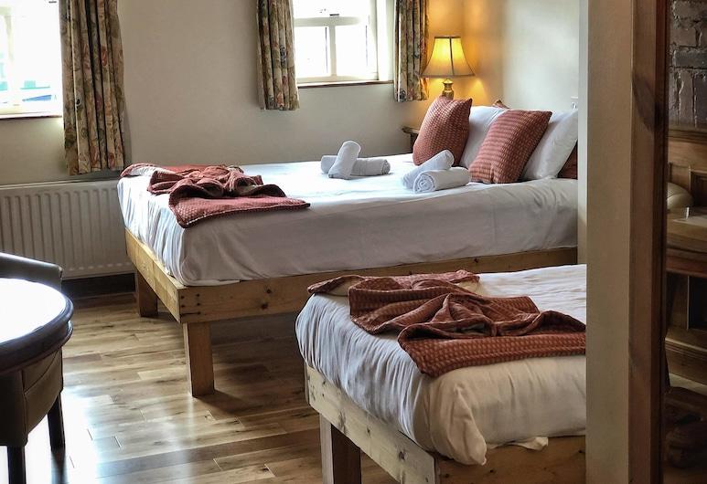 Walsh's Hotel, Maghera, Comfort-Vierbettzimmer, Mehrere Betten, Zimmer