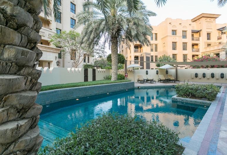 One Perfect Stay - 2BR at Zanzabeel 3, Dubai, Kültéri medence