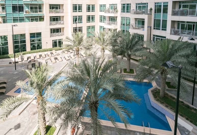 One Perfect Stay - Studio at Burj Views, Dubajus, Lauko baseinas