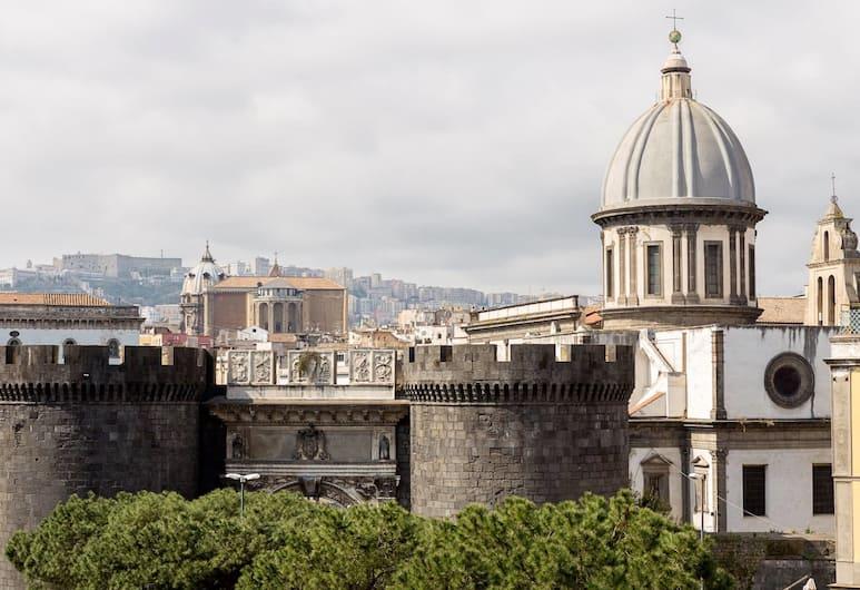 B&B Rosaroll, Napoli, Firemannsrom – deluxe, balkong, utsikt mot byen (Porta Capuana), Utsikt mot hage