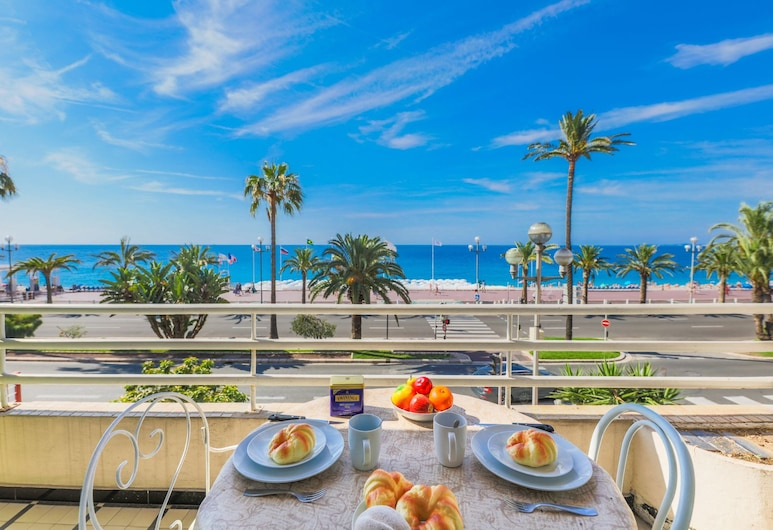 Lido Promenade AP4020 by Riviera Holiday Homes, Nizza, Apartment, 1 Schlafzimmer, Terrasse/Patio