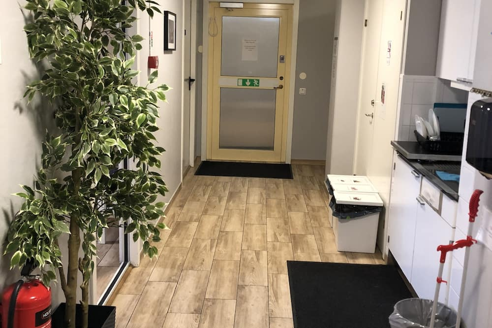 Single Room - Shared kitchen