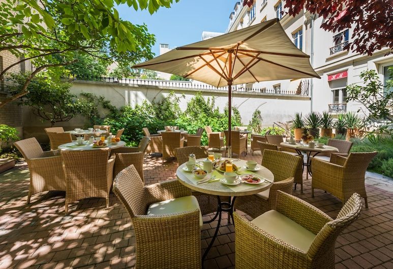 Hotel Le Magellan, Paris, Terrace/Patio