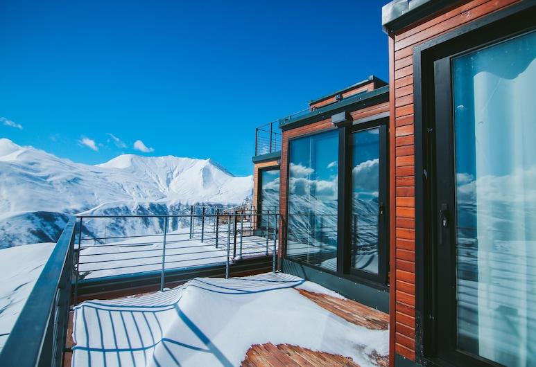 Quadrum Ski & Yoga Resort, Kazbegi, Terrace/Patio