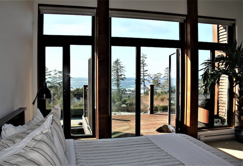 Pacific Coast, Ucluelet, Condo, Room