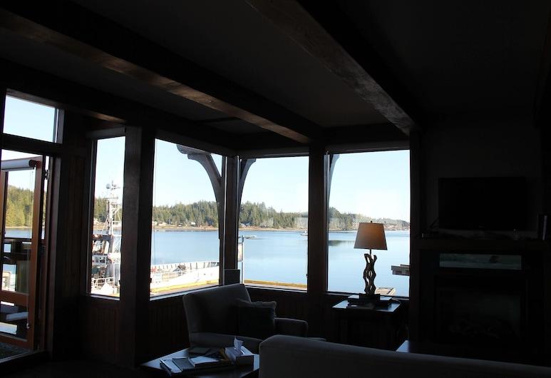 Safe Harbour Suite, Ucluelet, Apartment, 1 Bedroom, Living Room