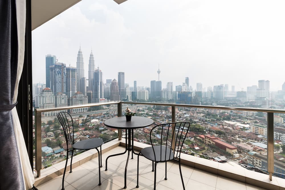 Classic Apartment, 1 Double Bed, Non Smoking, City View - Balcony