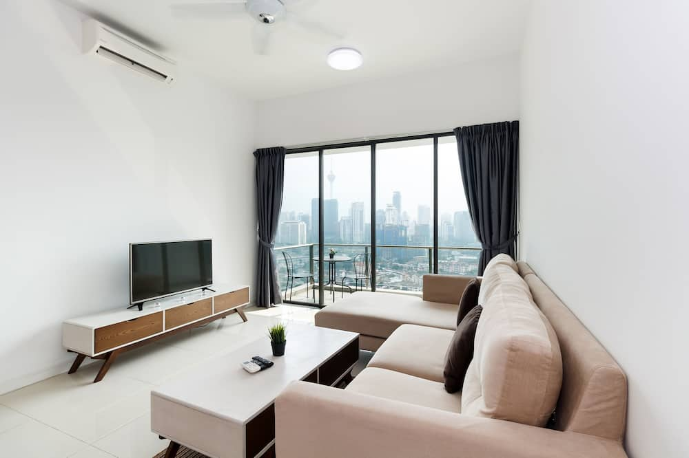 Classic Apartment, 1 Double Bed, Non Smoking, City View - Living Room