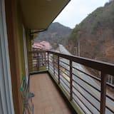 Condominio familiar, 1 cama doble, para no fumadores, vista a la montaña - Balcón