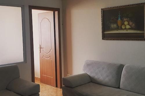 蒂拉娜公寓飯店/