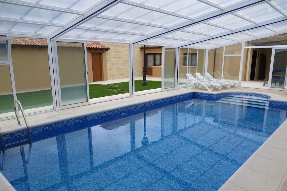 ハウス 5 ベッドルーム プライベートプール - 屋内プール