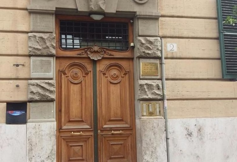 Apartments in Via Premuda near the Vatican, Rome, Property entrance