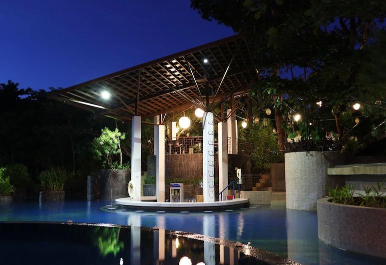Fernvale Leisure Club and Resort, Coron, Piscine en plein air
