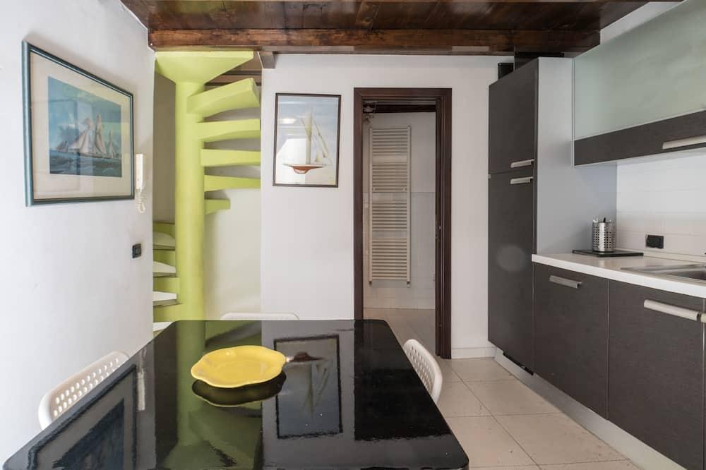 Huoneisto, 2 makuuhuonetta - Ruokailu omassa huoneessa