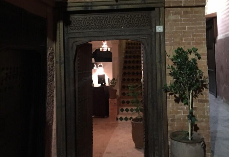 Riad Haylana, Marakešas, Įėjimas į viešbutį
