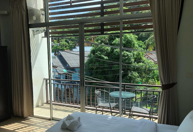 Shots & Dreams Guesthouse, Karon, Basic Double Room, Guest Room