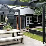 3 Bedroom Luxury House - Terrace/Patio