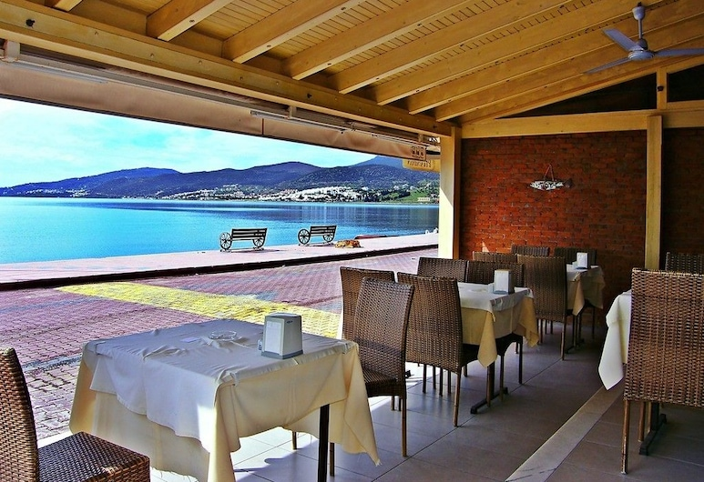 Samyeli Otel ve Restaurant, Dikili, Terrasse/veranda