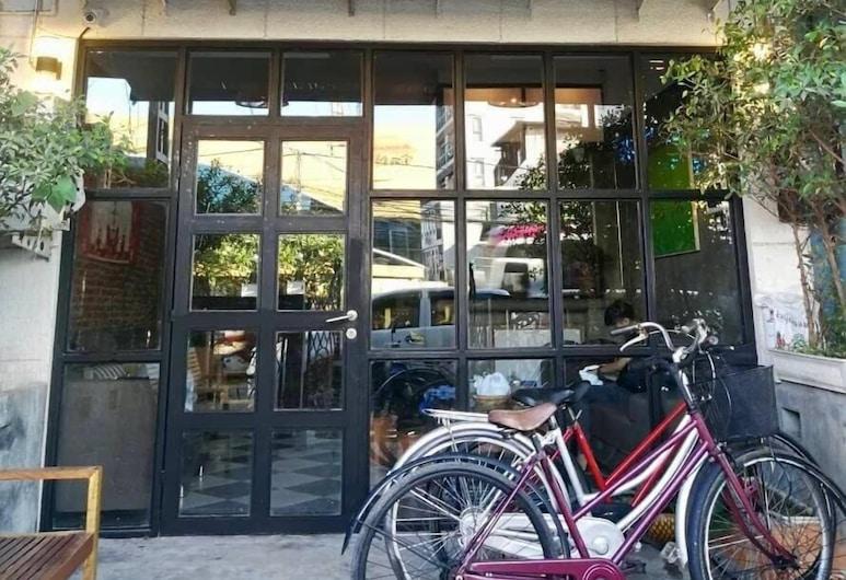 Lao Huk Bed and Cafe - Hostel, Vientiane, Είσοδος ξενοδοχείου