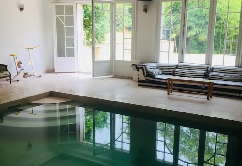 Villa Ananda Huo, Saint-Cloud