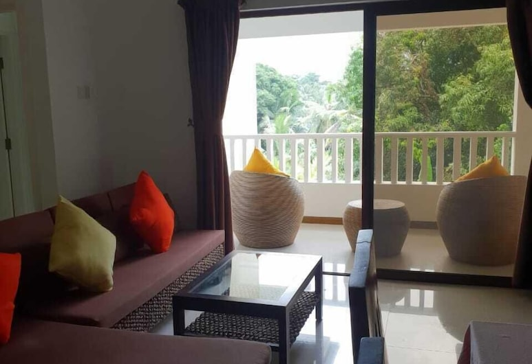 Kanasuk, Mahe Island, Family Apartment, 2 Bedrooms, Non Smoking, Living Area