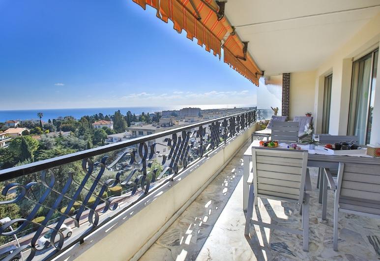 Arcadia Club AP4030 by Riviera Holiday Homes, Nice