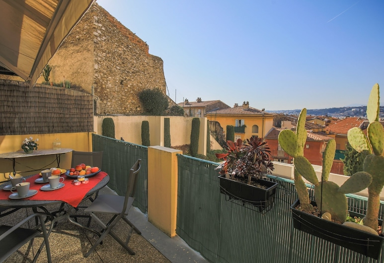 Colline du Château AP4077 by Riviera Holiday Homes, Nice, Appartement, Terrasse/Patio