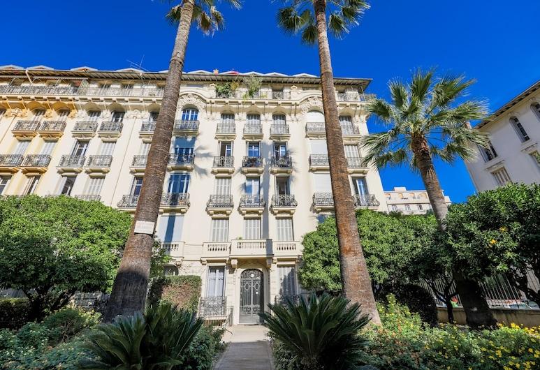 Jardin Depoilly AP4089 by Riviera Holiday Homes, Nice, Fasáda