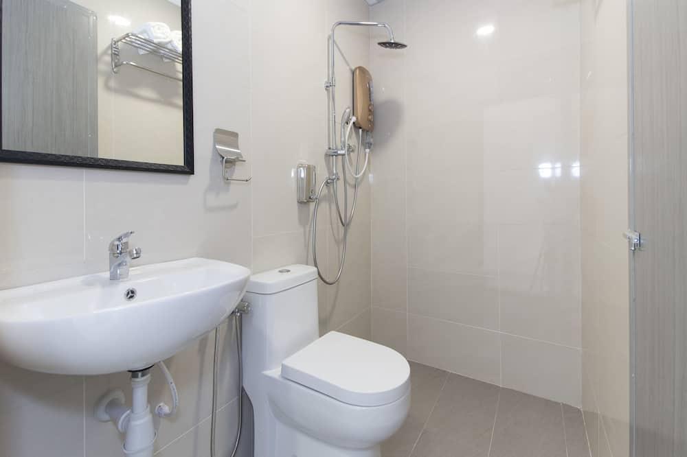 Двухместный номер «Делюкс» с 1 двуспальной кроватью, 1 двуспальная кровать «Квин-сайз» - Ванная комната