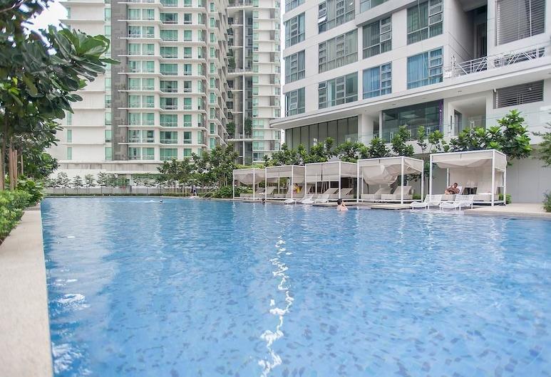 The Robertson Residence Bukit Bintang by Stayshare Homes, Kuala Lumpur, Outdoor Pool