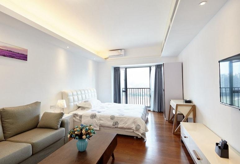 QING YU HUI Apartment, Guangzhou, Superior Double Room, Lake View, Room