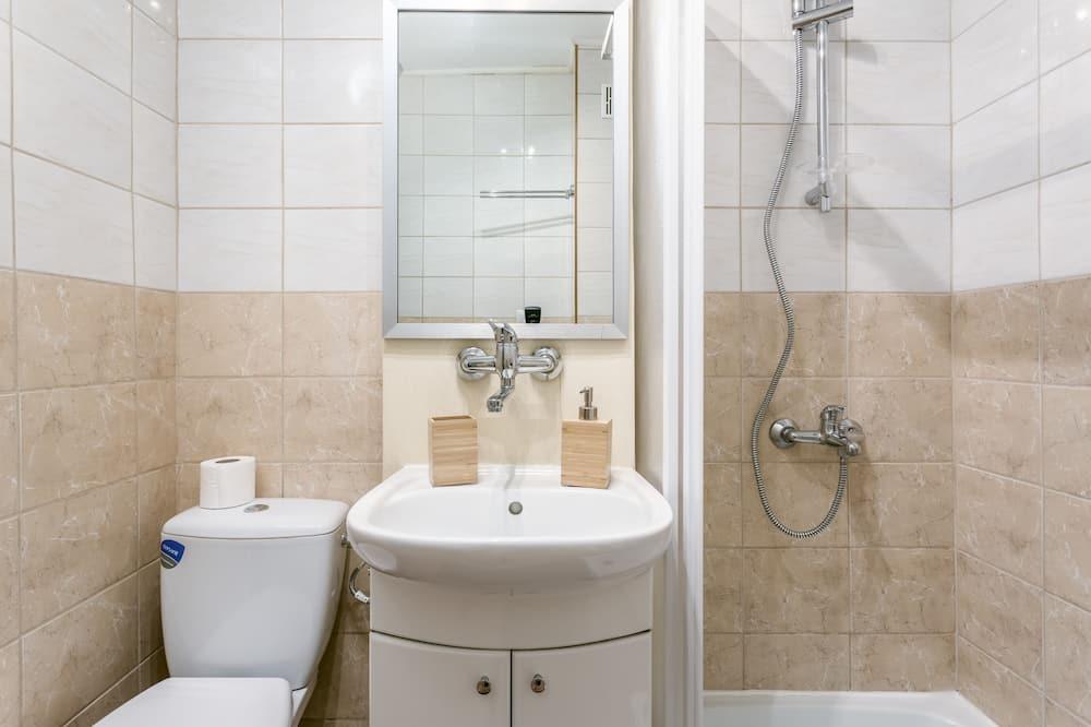 Superior Apartment, 2 Bedrooms - Bathroom