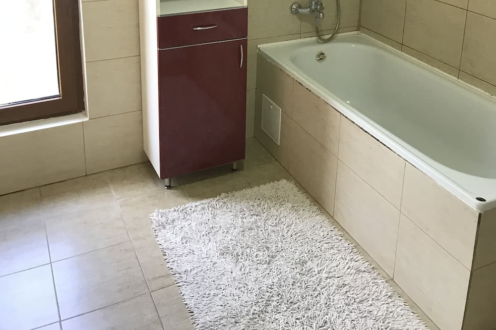 Standard Studio, Garden View - Bathroom