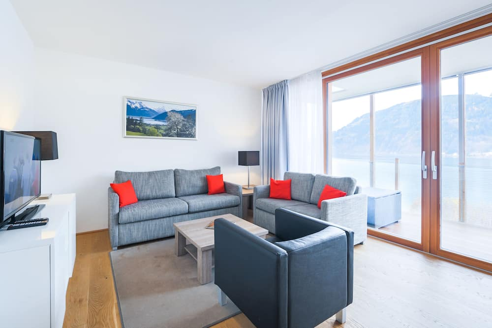 Apartment, 2 Bedrooms, Lake View - Living Area