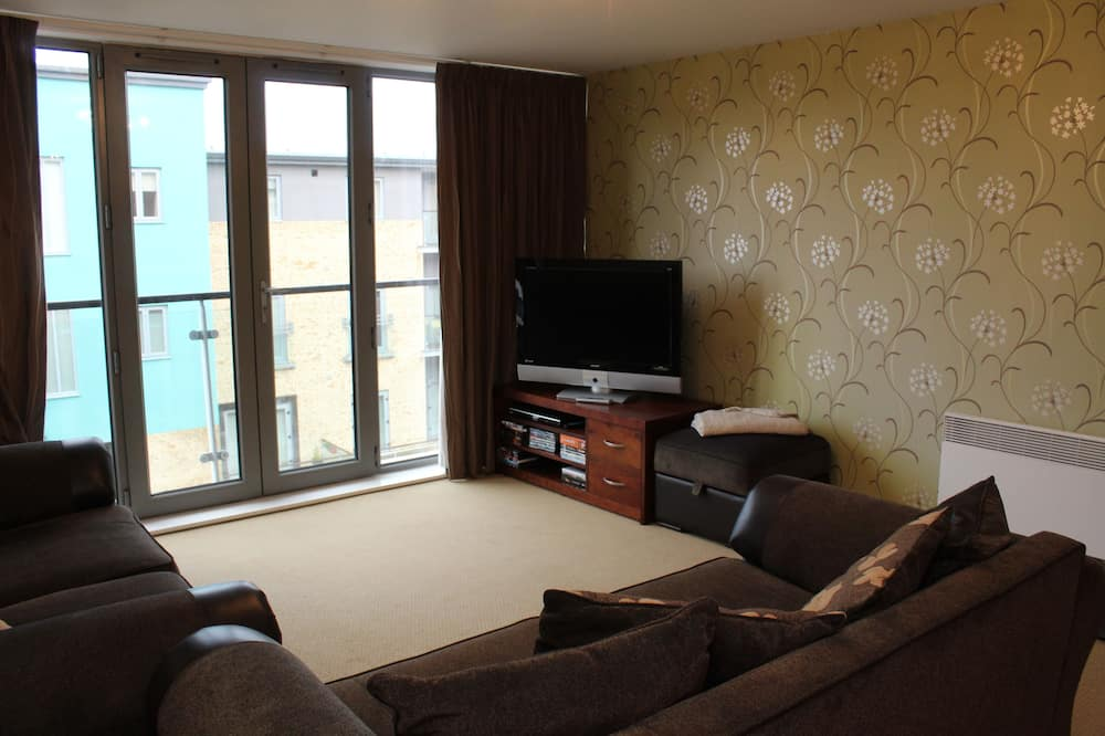 Apartment, 2 Double Beds, Non Smoking - Living Room
