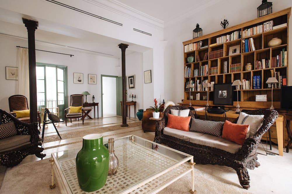 Ház, 3 hálószobával, privát medence - Nappali rész