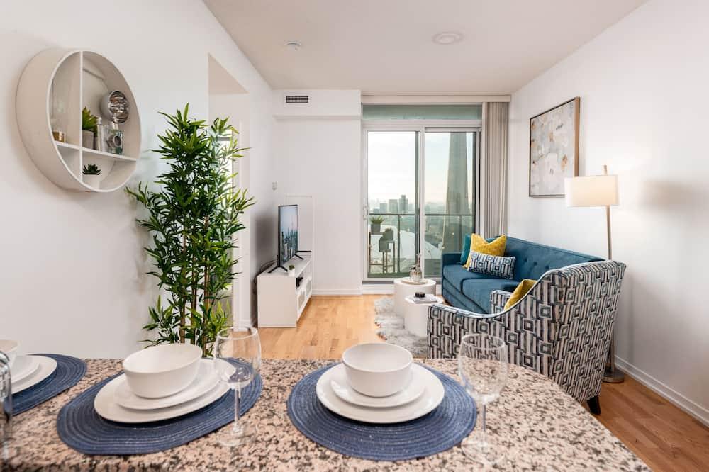 Deluxe Condo, Multiple Beds, Non Smoking, City View - Living Area