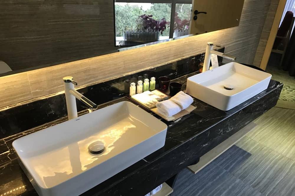 ห้องบิสซิเนสสวีท - อ่างล้างมือ