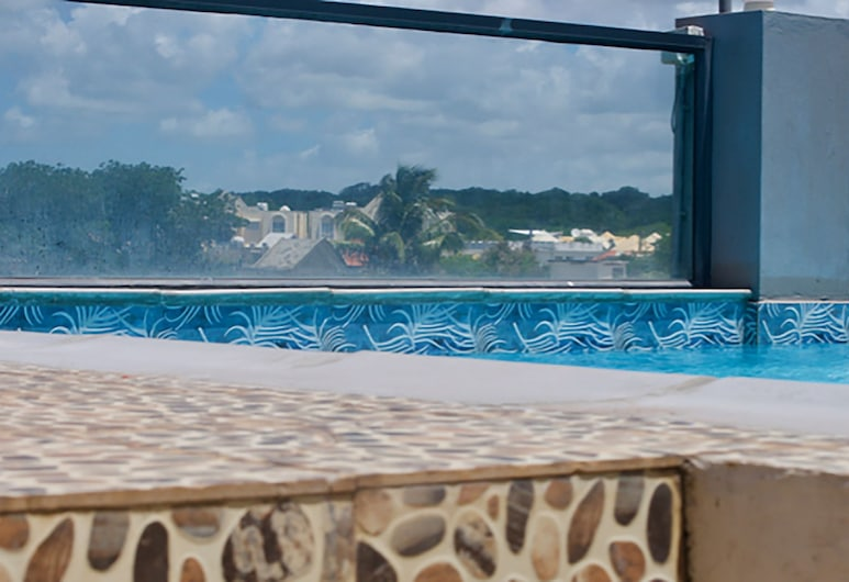 Belle Dreams-Residence Indira, Trou aux Biches, Bazén na streche
