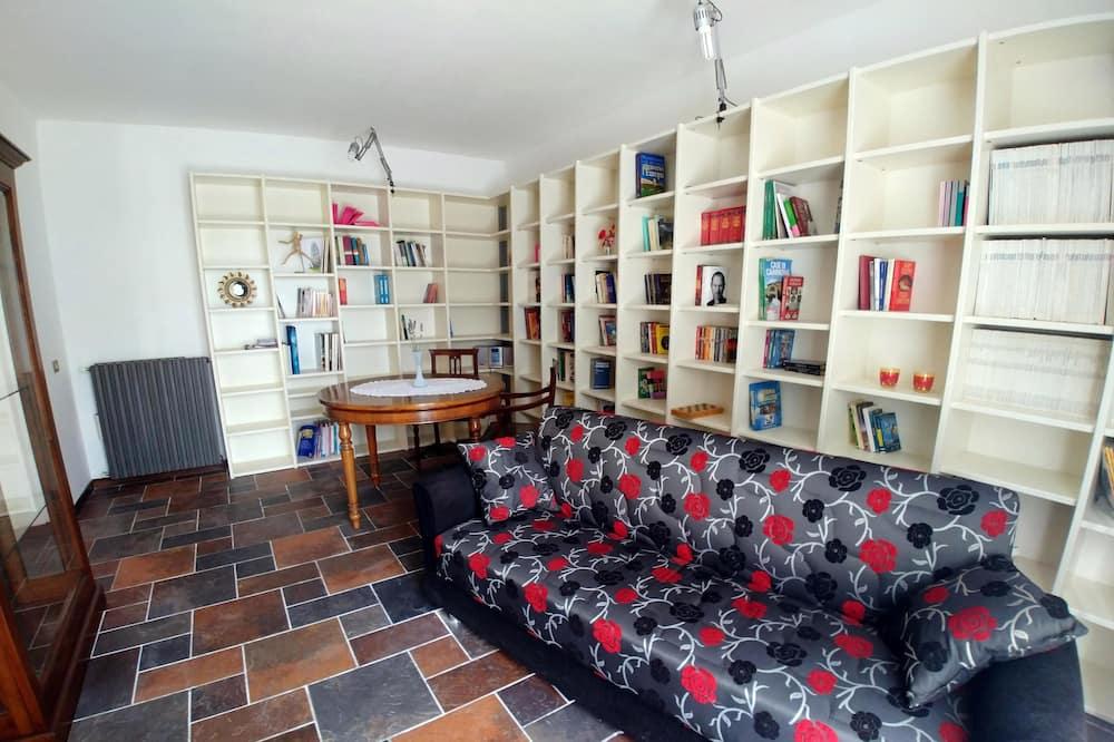 Departamento familiar, 3 habitaciones, vista al jardín - Sala de estar