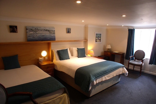 聖馬格洛伊爾酒店/