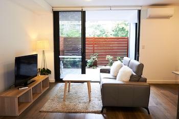 Gambar Private and Modern 2 bedroom Getaway Near Westfields Shop di Waitara