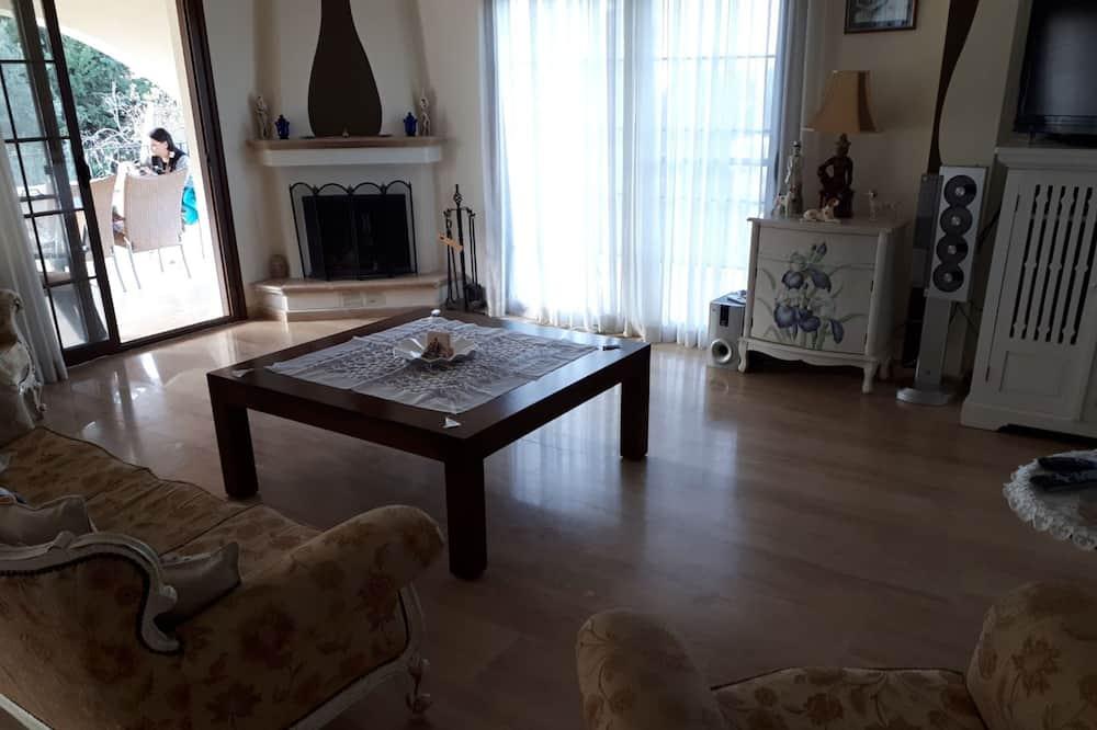 Executive Villa - Living Room