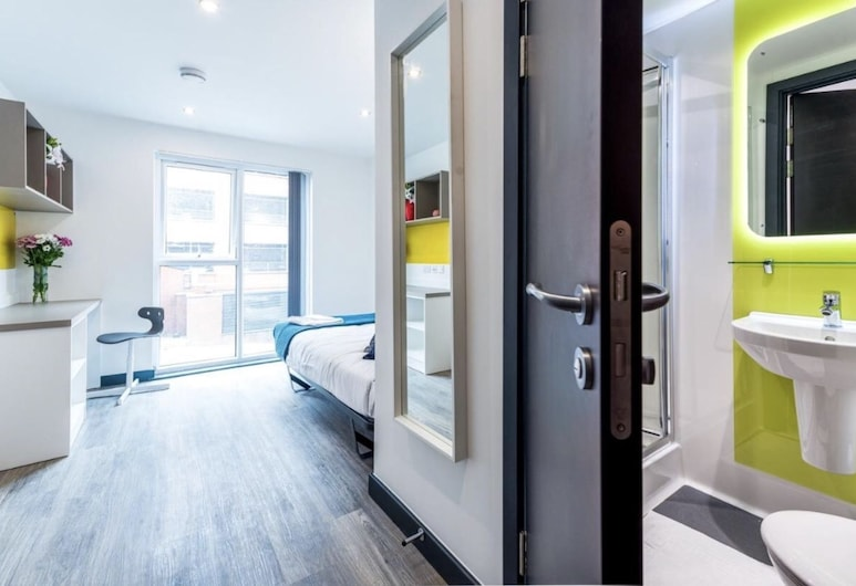 Luton OPTO 1, Luton, Design Studio Suite, Multiple Beds, Non Smoking, View from room