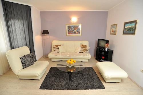 維拉伊茲沃爾飯店/