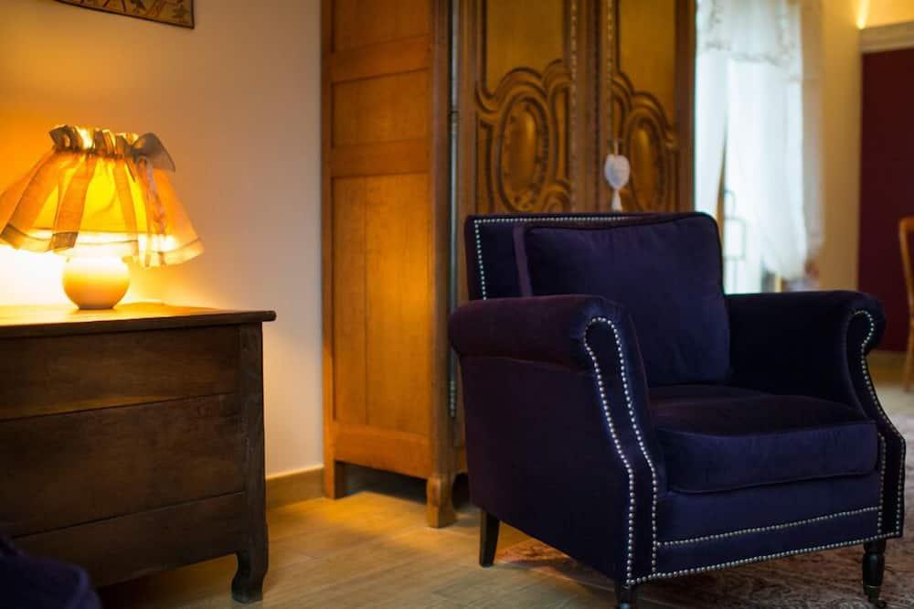 Suite (Bayeux) - Living Area