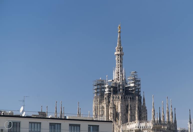 Italianway Apartments - Merlo 3, Милан, Апартаменты «Сити», 1 спальня, вид на город, башня, Вид из номера