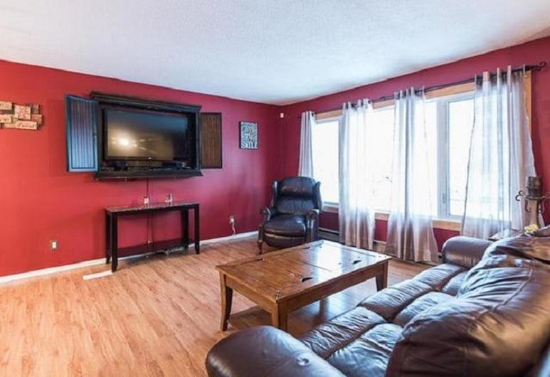 Wild North B&B, Whitehorse, Comfort-dobbeltværelse - 2 queensize-senge - ikke-ryger, Stue